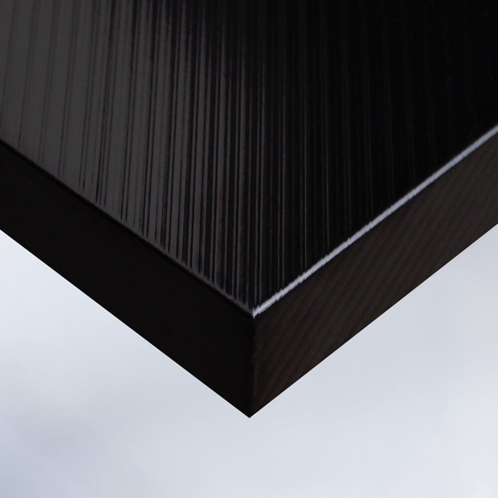 Noir laqué rayé