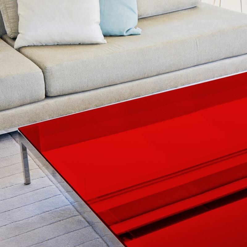 Film decoratif rouge transparent pour table en verre