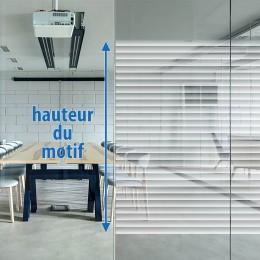 Film decoratif vitrage bandes tramées effet Store entrouvert