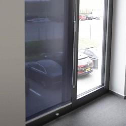 STORE ENROULEUR film solaire anti regard et éblouissement Argent foncé - Rejet thermique 92% - Mécanisme Blanc - Sans Coffre
