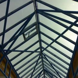 Film solaire adhésif réfléchissant Gris pour polycarbonate et plexiglass
