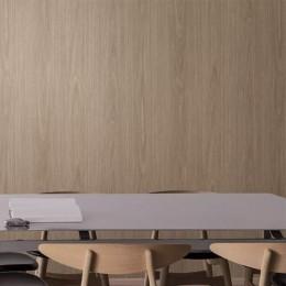 Vinyle adhésif imitation bois de chêne à lignes dorées