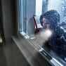 Film anti-effraction transparent pour choc provenant de l'extérieur